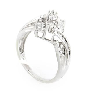 Magnificent 10K White Gold Diamond Ring