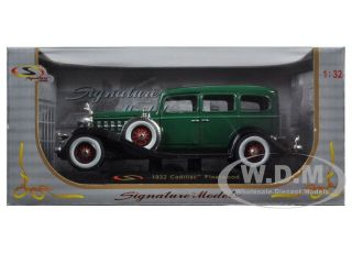 1932 Cadillac Fleetwood Green 1 32 Diecast Model Car Signature Models