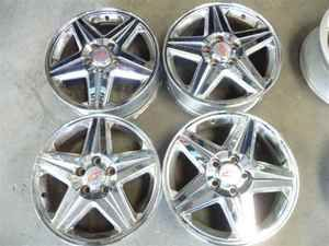 2004 2005 Monte Carlo 17 5 Spoke Chrome Wheels Rims
