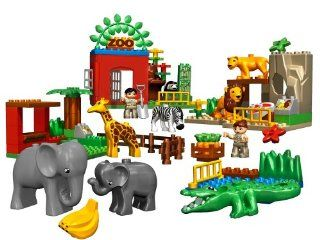 DUPLO LEGO Ville Friendly Zoo (4968) Toys & Games